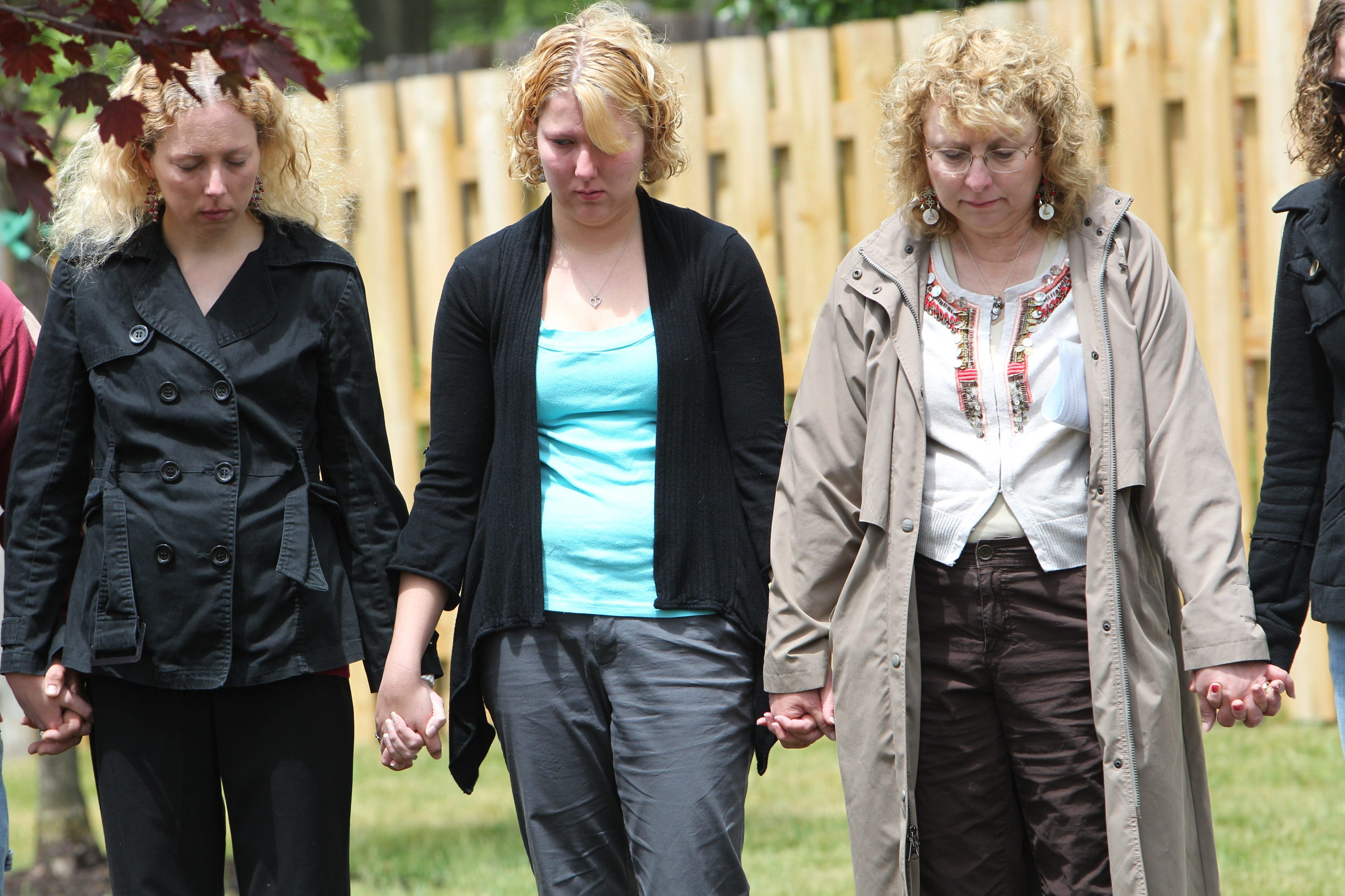 Kim Lipiarz, left, with her sister Jill and mother Kim Wielinski. Lipiarz was at the scene and saw the burning house after the crash of Flight 3407, and wasn't sure if any family members had survived. (Sharon Cantillon/Buffalo News file photo)