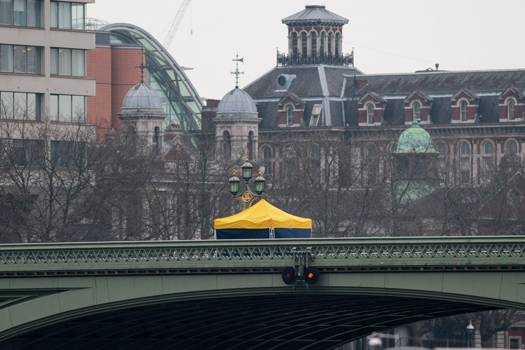 LONDON, ENGLAND - MARCH 23: A police forensics tent sits on Westminster Bridge following yesterday's attack on March 23, 2017 in London, England. Four people have been killed and around 40 people injured following yesterday's attack by the Houses of Parliament in Westminster. (Photo by Jack Taylor/Getty Images)