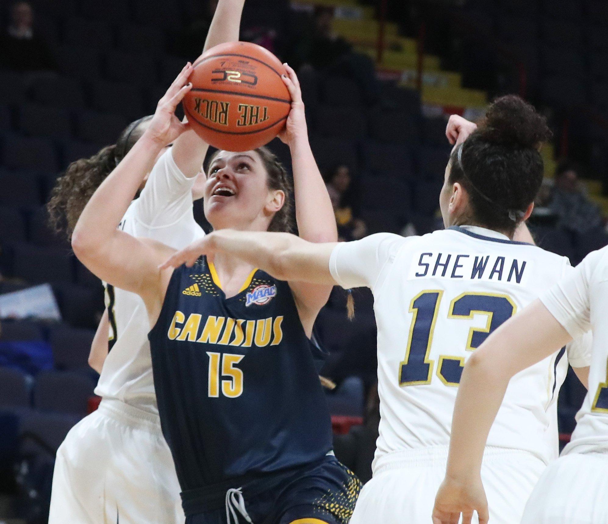 Canisius' Lauren D'Hont drives vs. Quinnipiac. (James P. McCoy/Buffalo News)