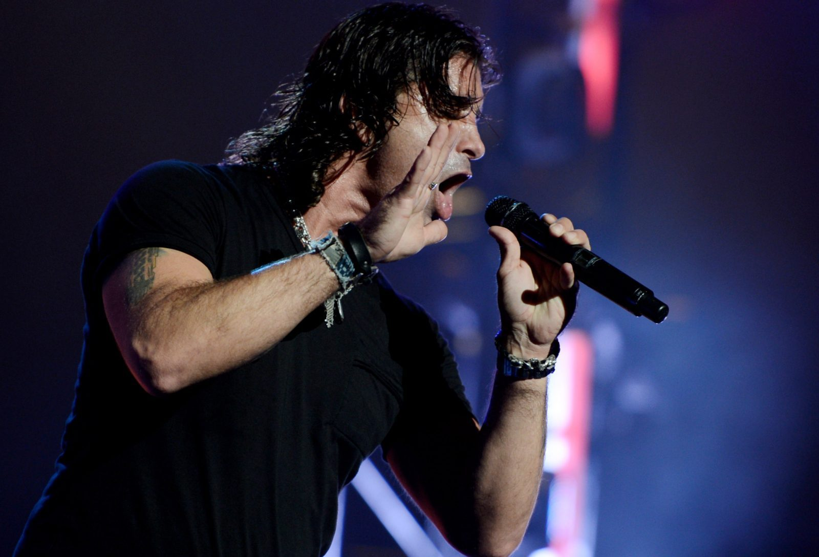 Scott Stapp will perform a solo show at the Riviera Theatre.  (Getty Images)