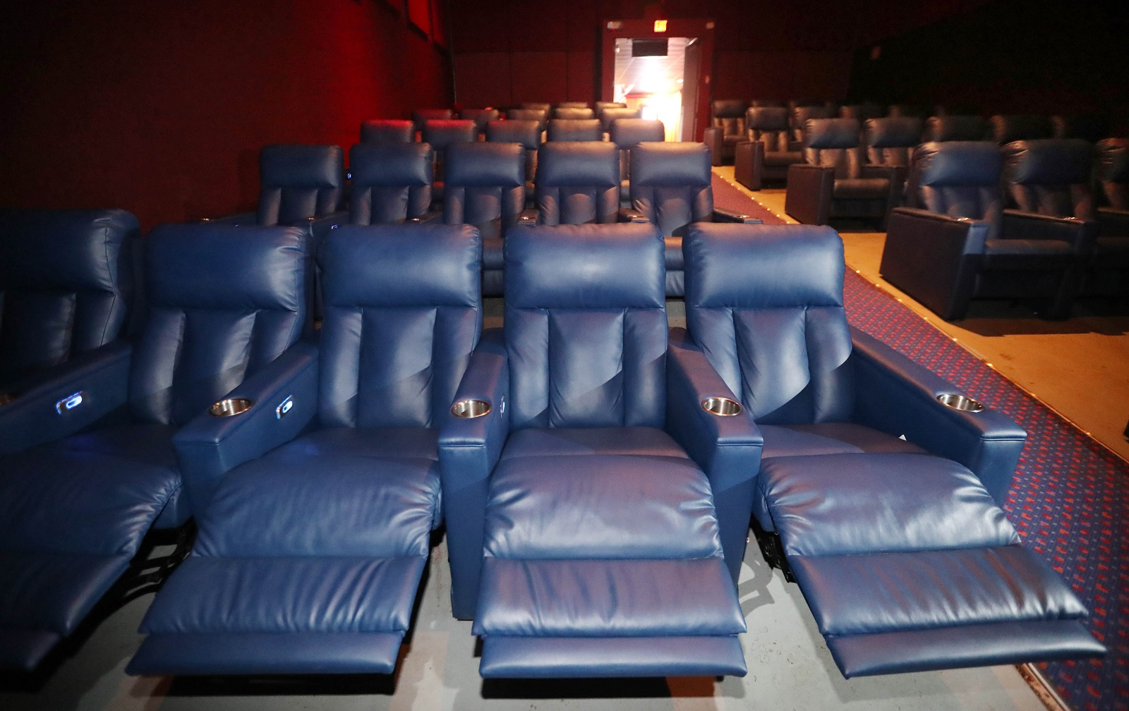 Guide movie theater