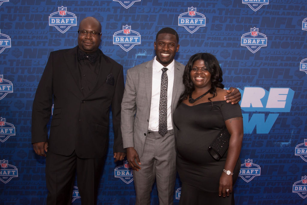 Tre'Davious White of LSU poses for a picture with his father David White and mother Lashawnita Ruffins on the red carpet prior to the start of the 2017 NFL Draft on April 27, 2017 in Philadelphia, Pennsylvania. (Getty Images)