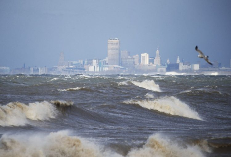 Waves whip across Lake Erie. (News file photo)