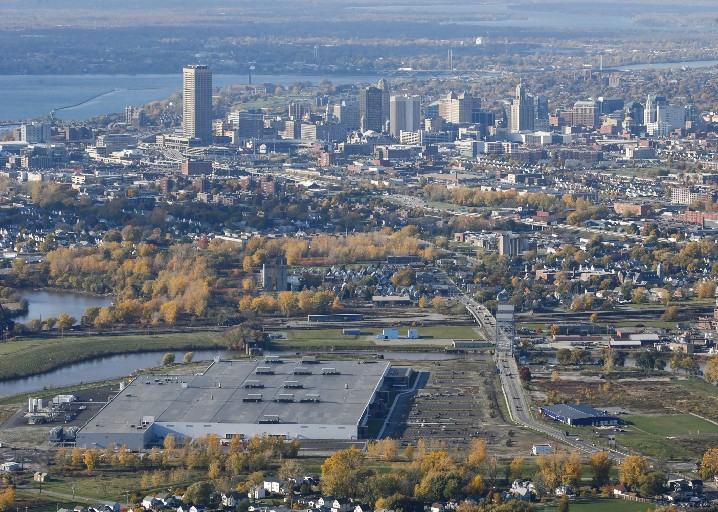 The Buffalo metro area saw its 'best levels of ozone ever,' according to the American Lung Association's 2017 State of the Air report released today. (Derek Gee/Buffalo News)