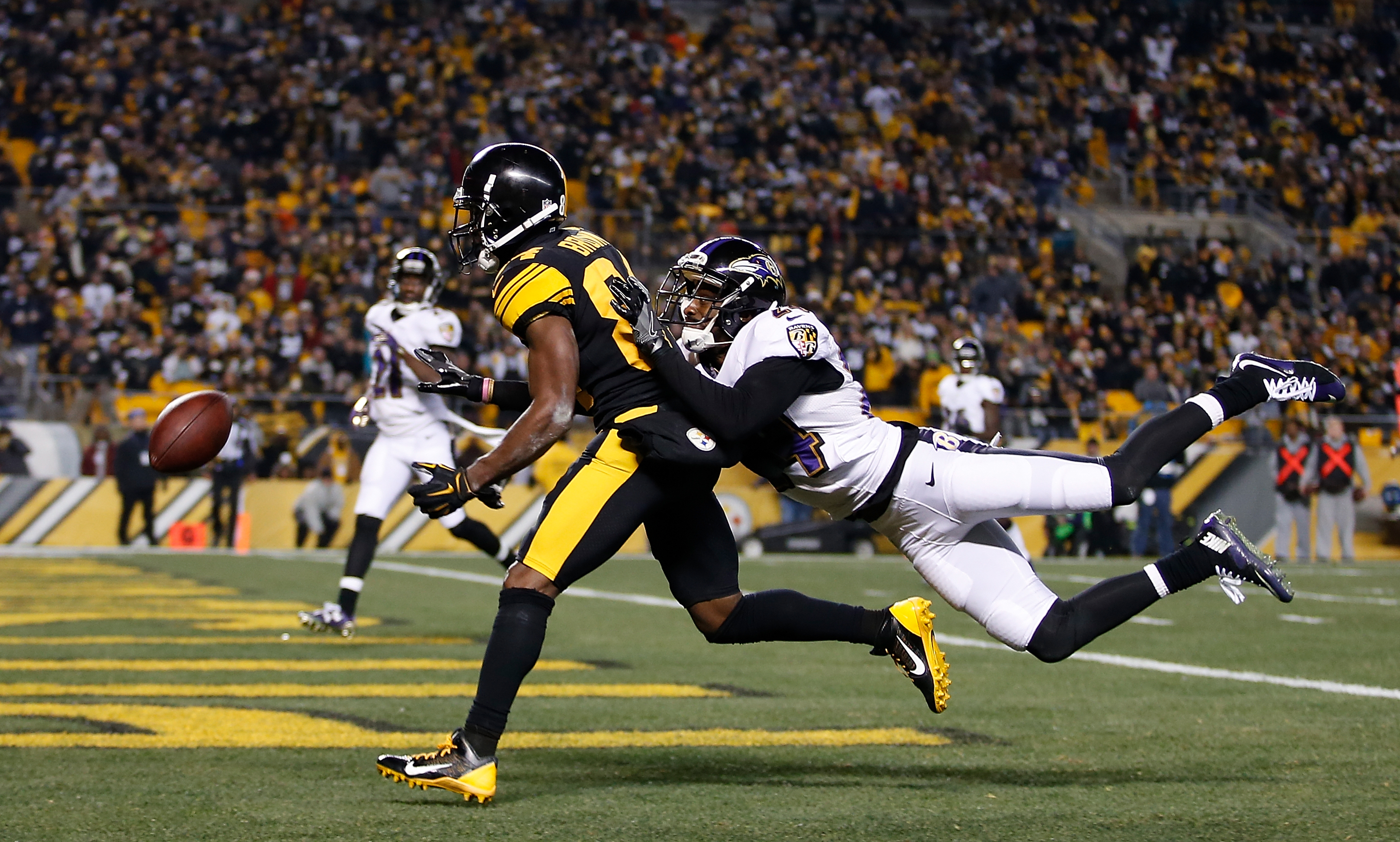 Antonio Brown #84 of the Pittsburgh Steelers cannot make a catch while being defended by Shareece Wright #24 of the Baltimore Ravens. (Photo by Justin K. Aller/Getty Images)