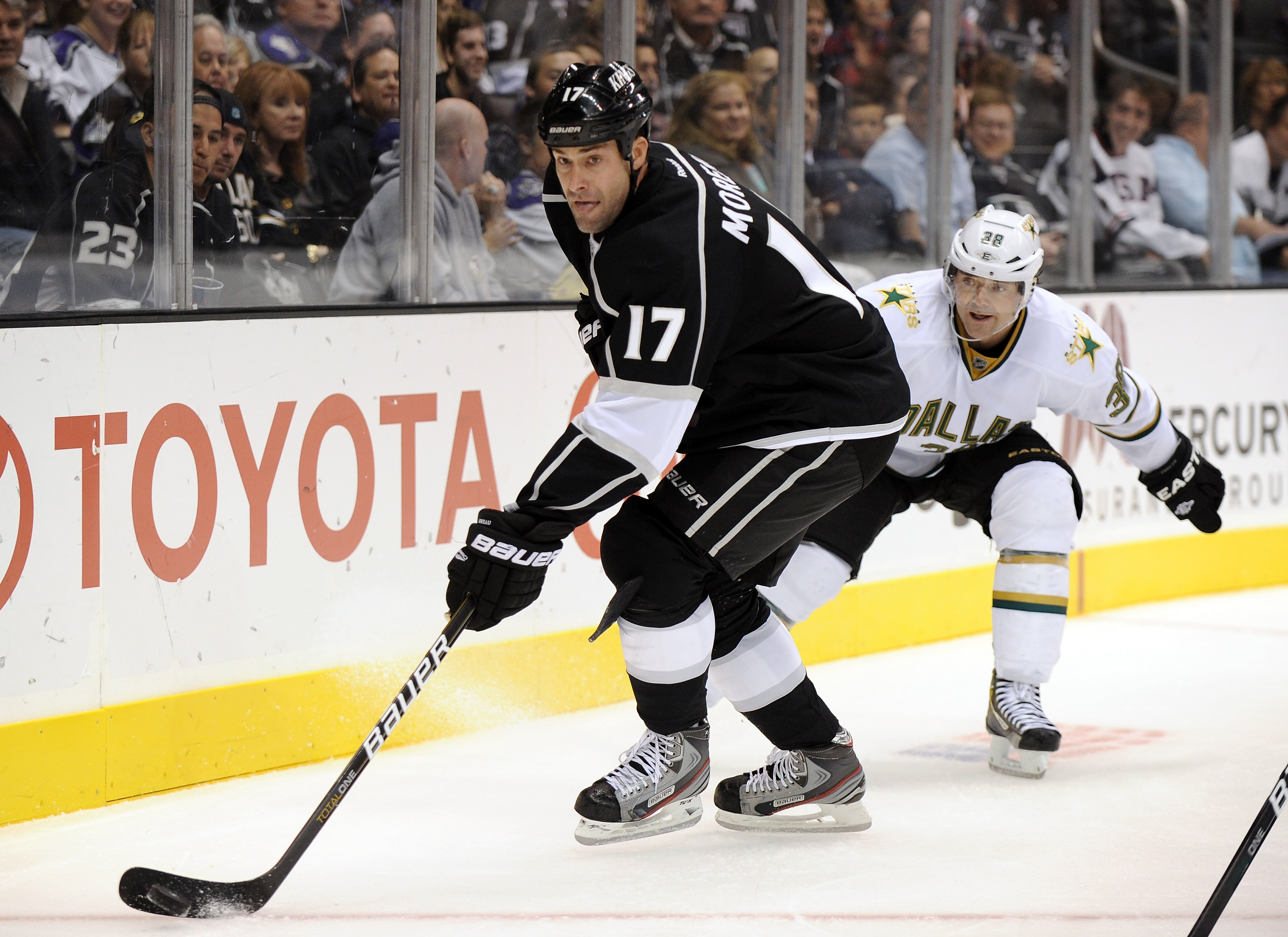 Ethan Moreau played his final season in the NHL for the L.A. Kings. He is reportedly a finalist for the head coaching job at Niagara.  (Getty Images)
