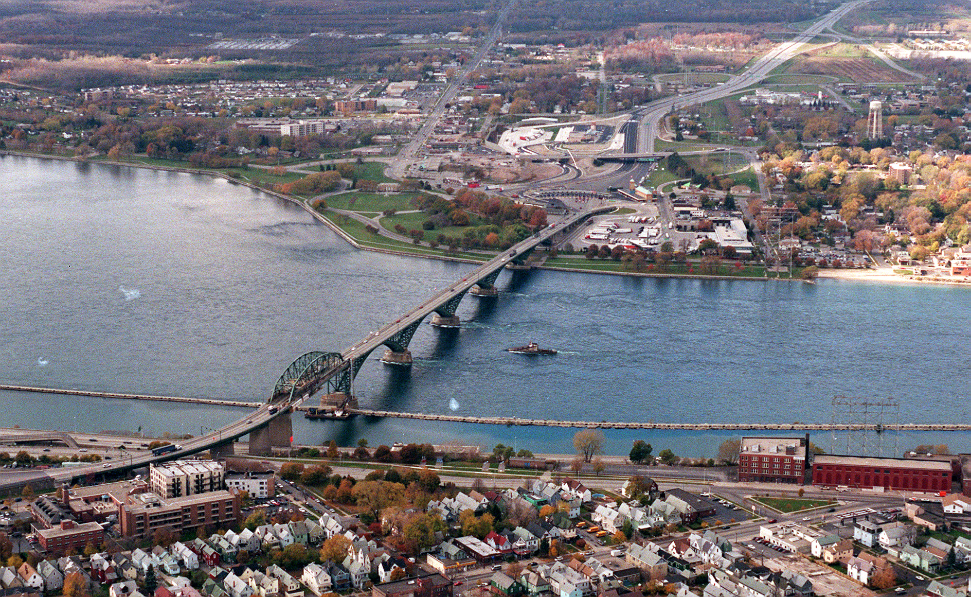An aerial view of the Peace Bridge. (News file photo)