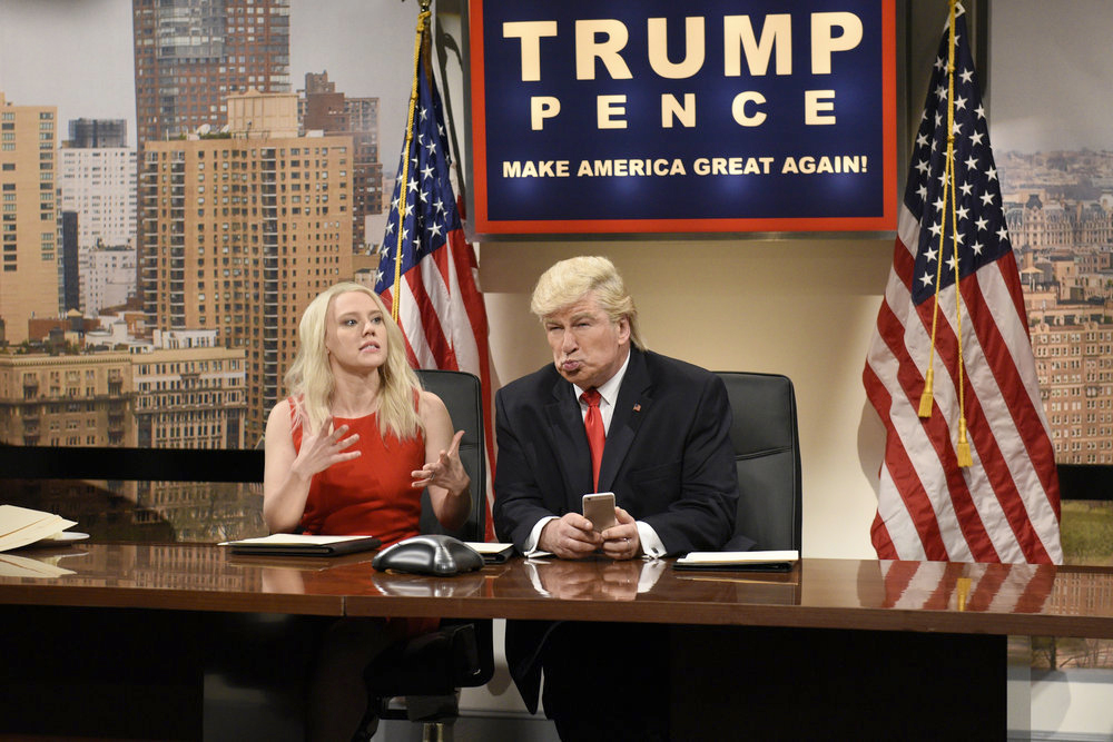 Kate McKinnon as Kellyanne Conway and Alec Baldwin as Donald Trump. (Will Heath, NBC)