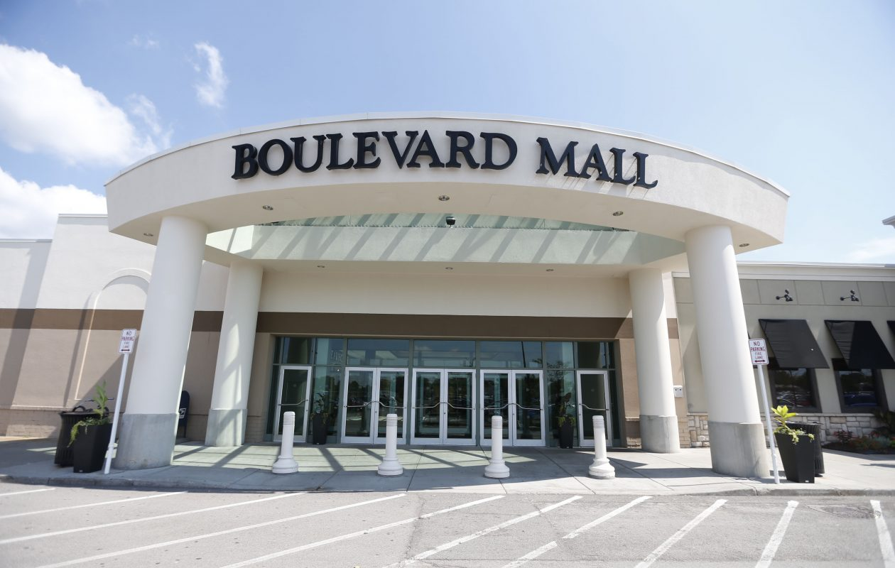 Summit Mall Stores >> Discount Diva What S Next For The Boulevard Eastern Hills And