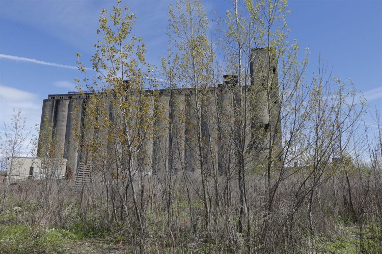 Backers want historic grain elevators turned into national park