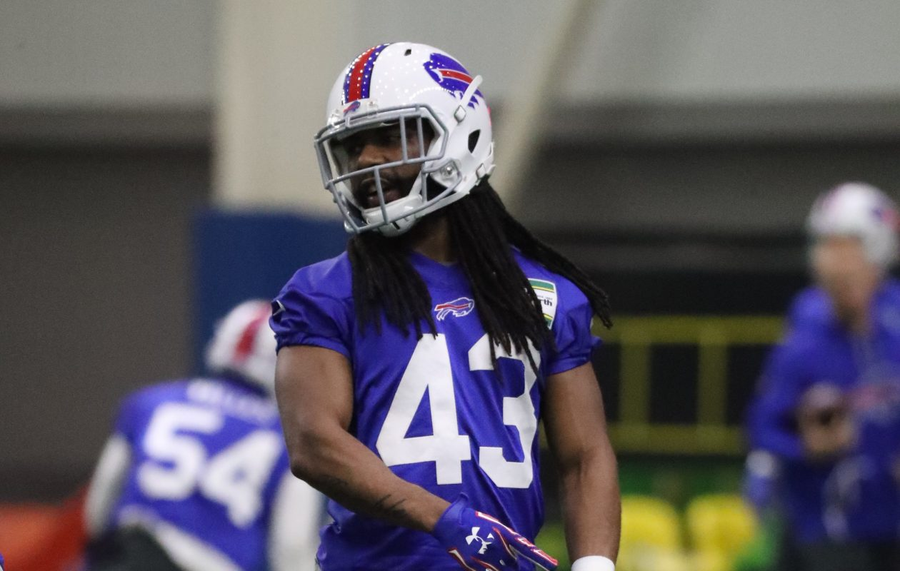 Joe Powell takes a break during Bills OTAs practice this week. (James P. McCoy/Buffalo News)
