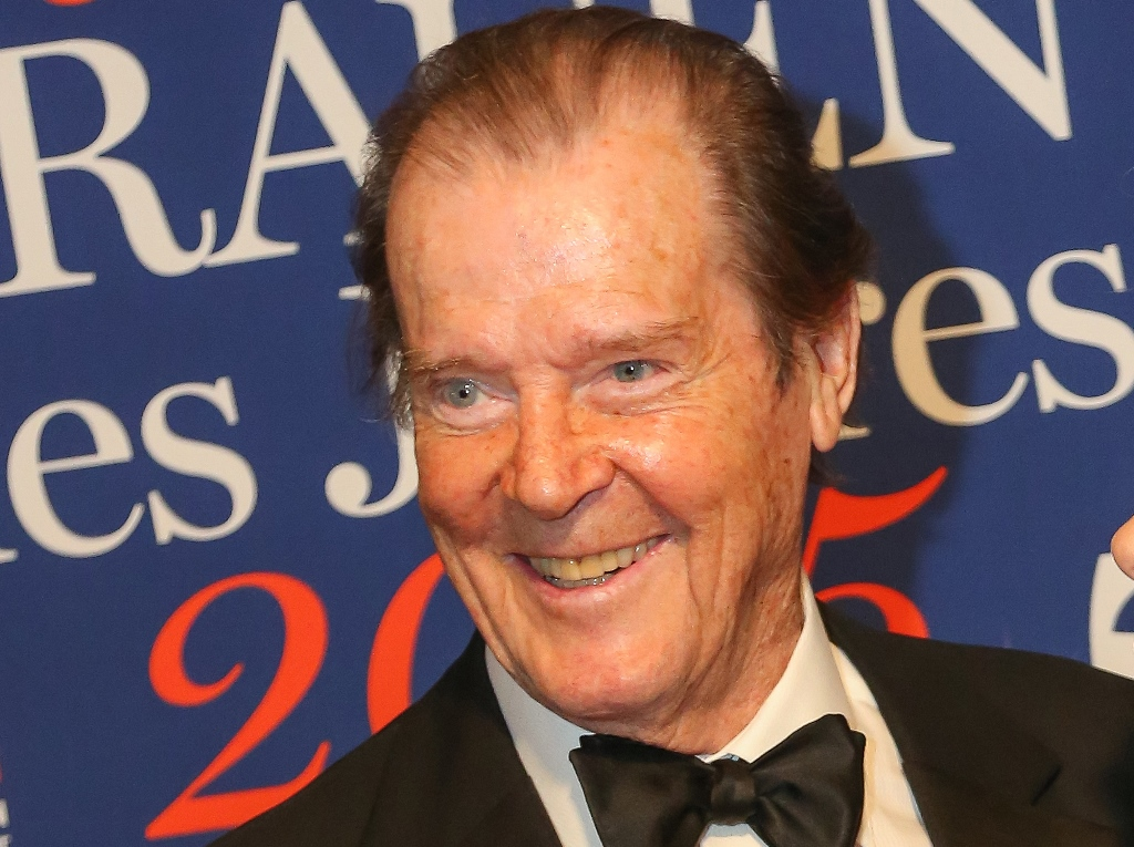 Sir Roger Moore attends the Look Women Of The Year Awards 2015 in Vienna, Austria. (Getty Images)