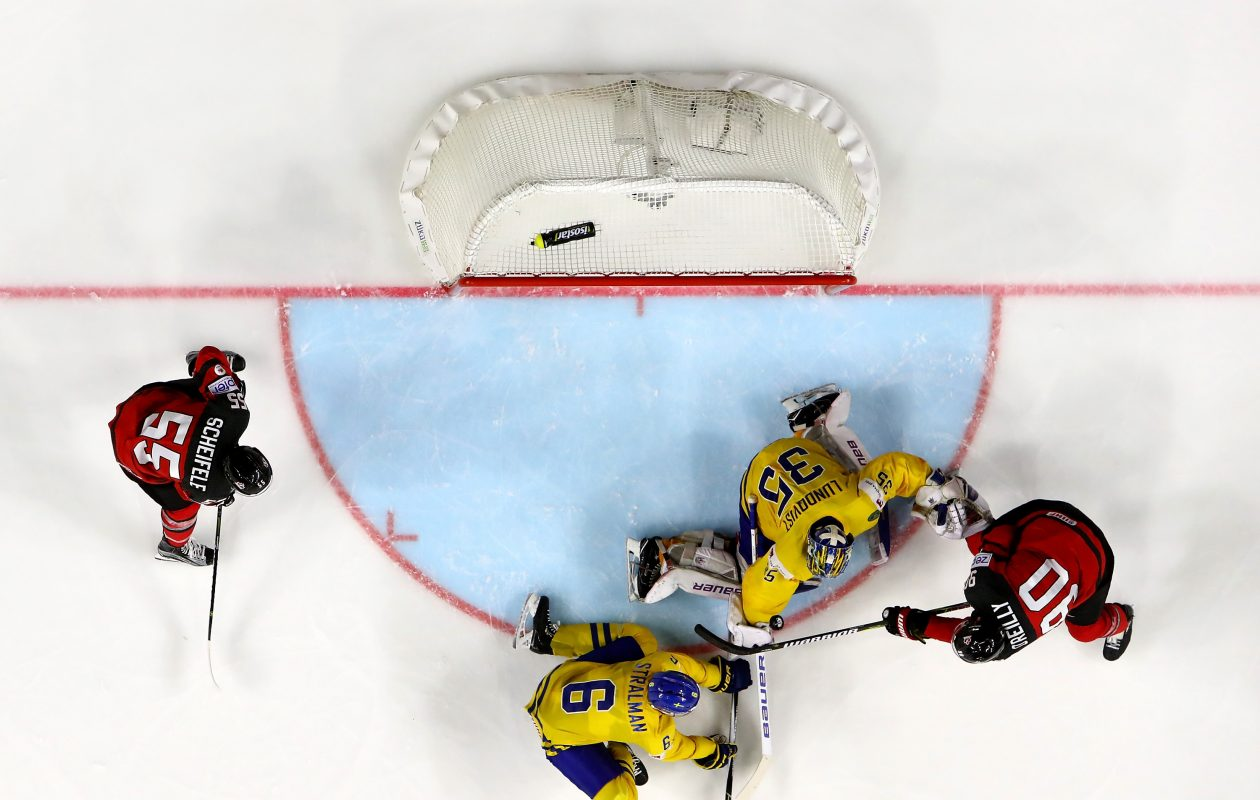 Ryan O'Reilly scores Canada's only goal in Sunday's gold-medal game at the world championships. (Getty Images)