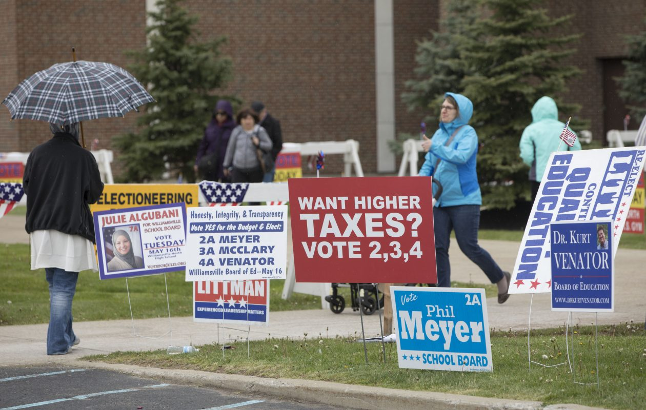 School district elections have drawn little interest, with only about 3,300 Williamsville residents voting last week. Low-turnout elections benefit special interests that can get supporters to the polls. (Derek Gee/Buffalo News)