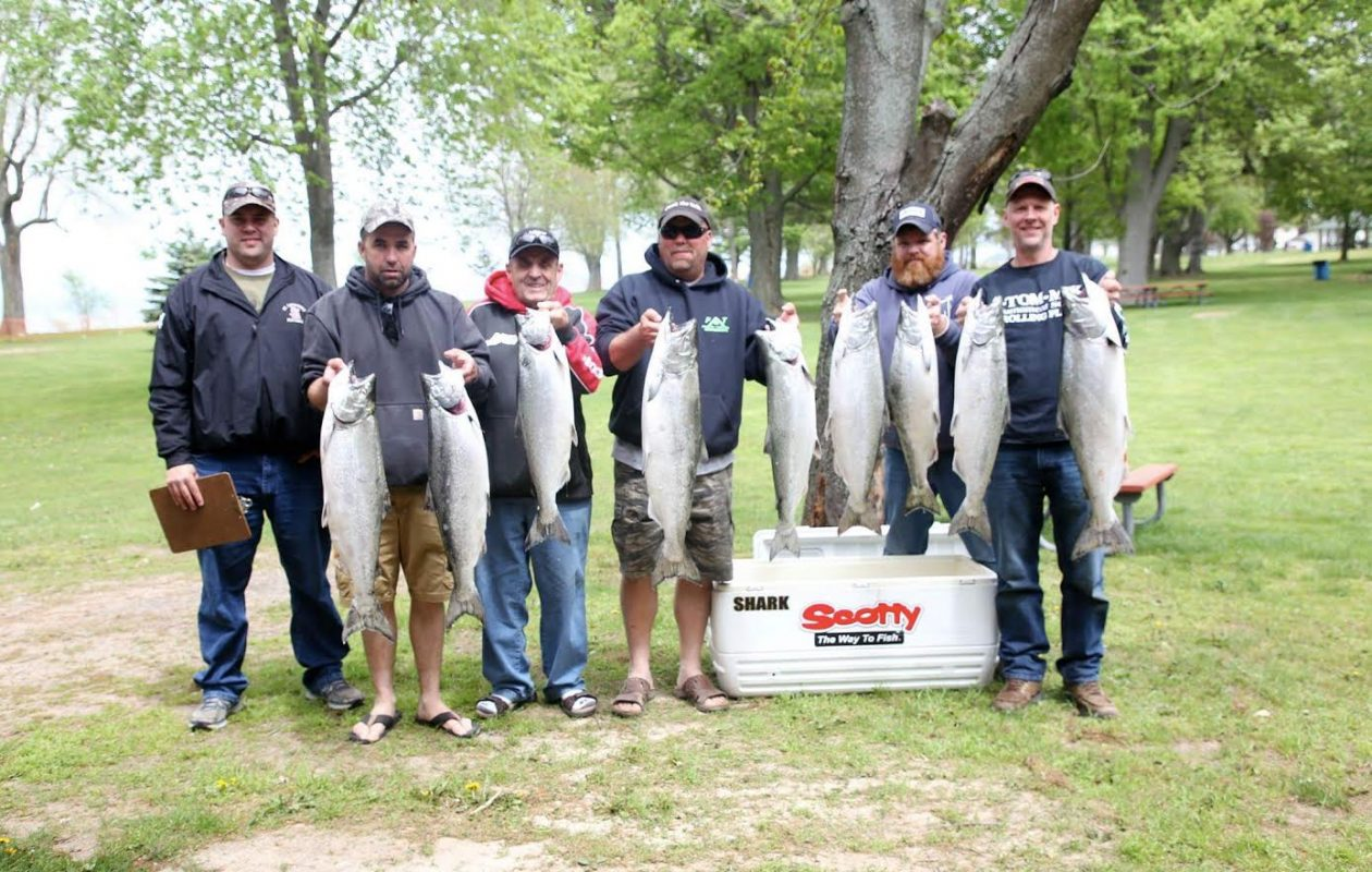 Team Screamer led by Dave Antenori of Clark's Ferry, Pennsylvania, was the Professonal winner in the Niagara Lake Ontario Pro-Am Salmon Team Tournament held May 19-21 out of Wilson and Olcott. The team had back to back 12-fish limit catches.