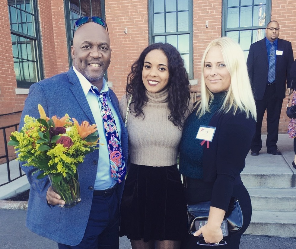 Thurman Thomas, his daughter Annika and wife Patti will serve as honorary chairpersons for next month's Buffalo Superhero 5K Race.