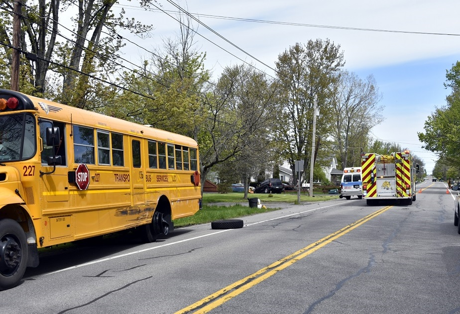 A bus crash on Nash Road on Wednesday morning sent six people, including five high school students, to the hospital. (Larry Kensinger/Special to the News)