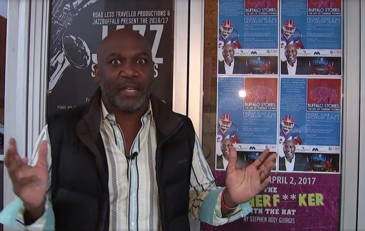 Former Buffalo Bills running back Thurman Thomas surprised the cast of a Road Less Traveled production about Thomas' life.