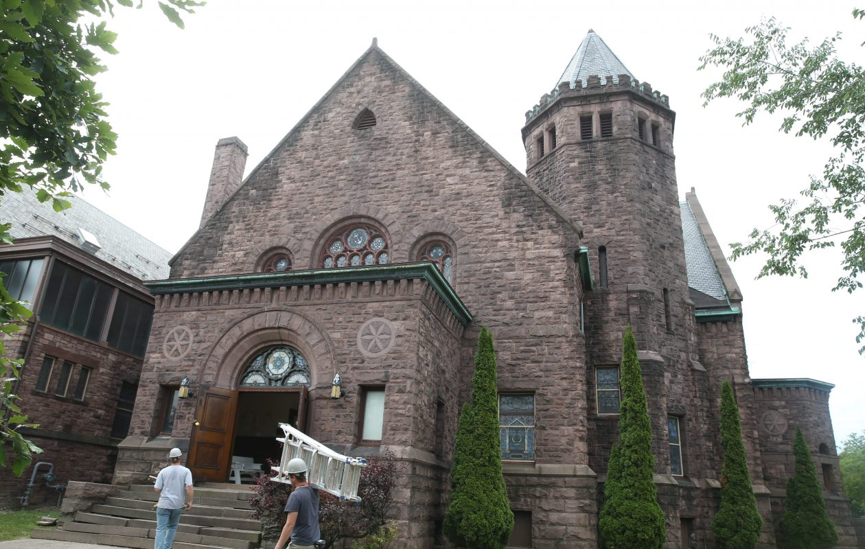 A project to convert the former Richmond Methodist Episcopal Church into a performing arts campus, with a building that would house a gallery and apartments, has raised concerns from neighbors. (Sharon Cantillon/Buffalo News file photo)