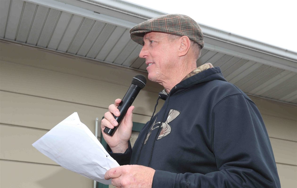 Hall of Fame quarterback Jim Kelly welcomes golfers to his 31st annual celebrity tournament Monday at Terry Hills in Batavia. (James P. McCoy/Buffalo News)