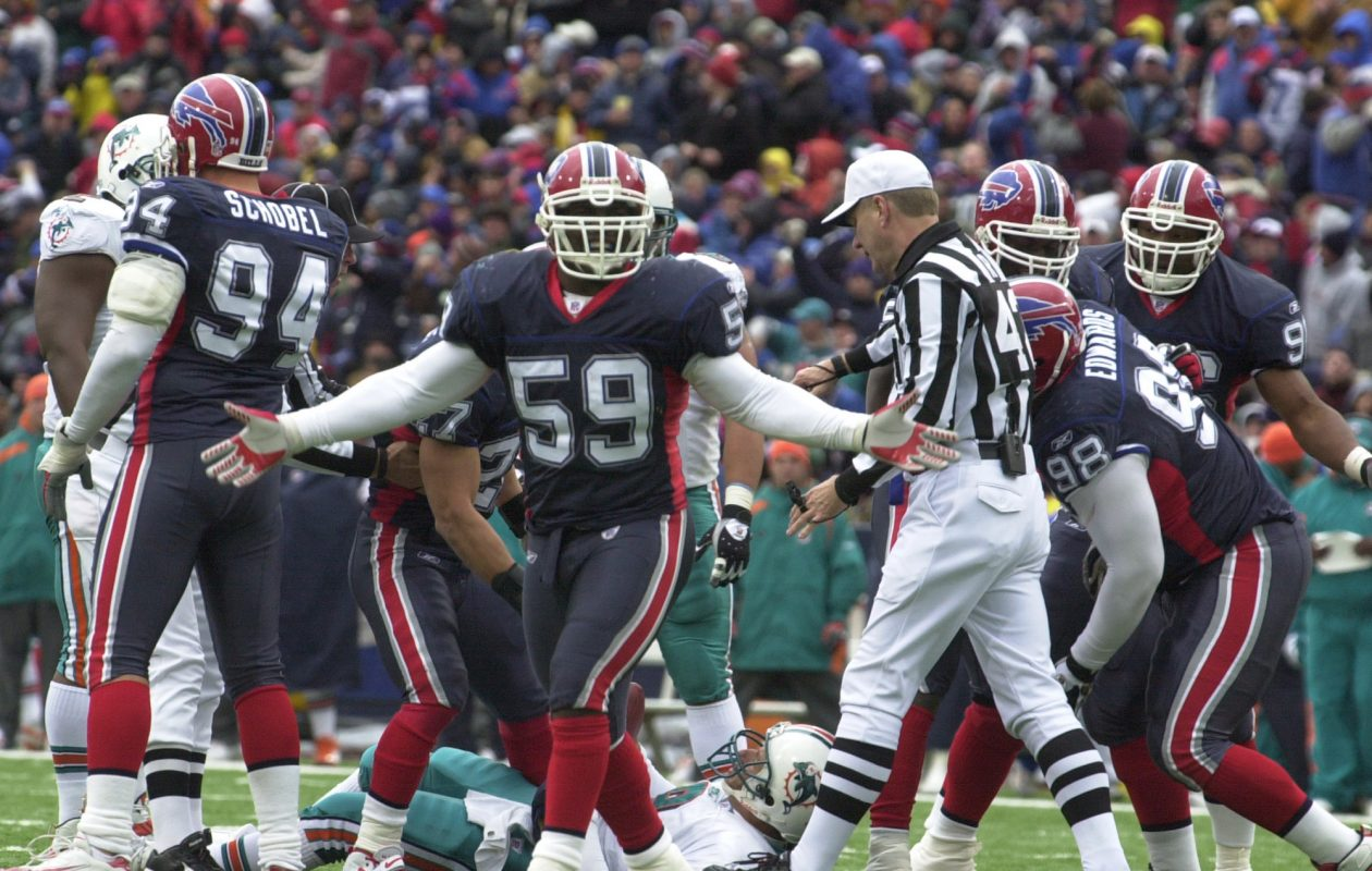 Led by linebacker London Fletcher, the 2004 Buffalo Bills had one of the best defenses of the last 30 years. (James P. McCoy/Buffalo News file photo)