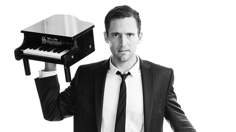 Owen Benjamin performs at Seneca Niagara Casino on July 6. (Photo by Max S. Gerber)