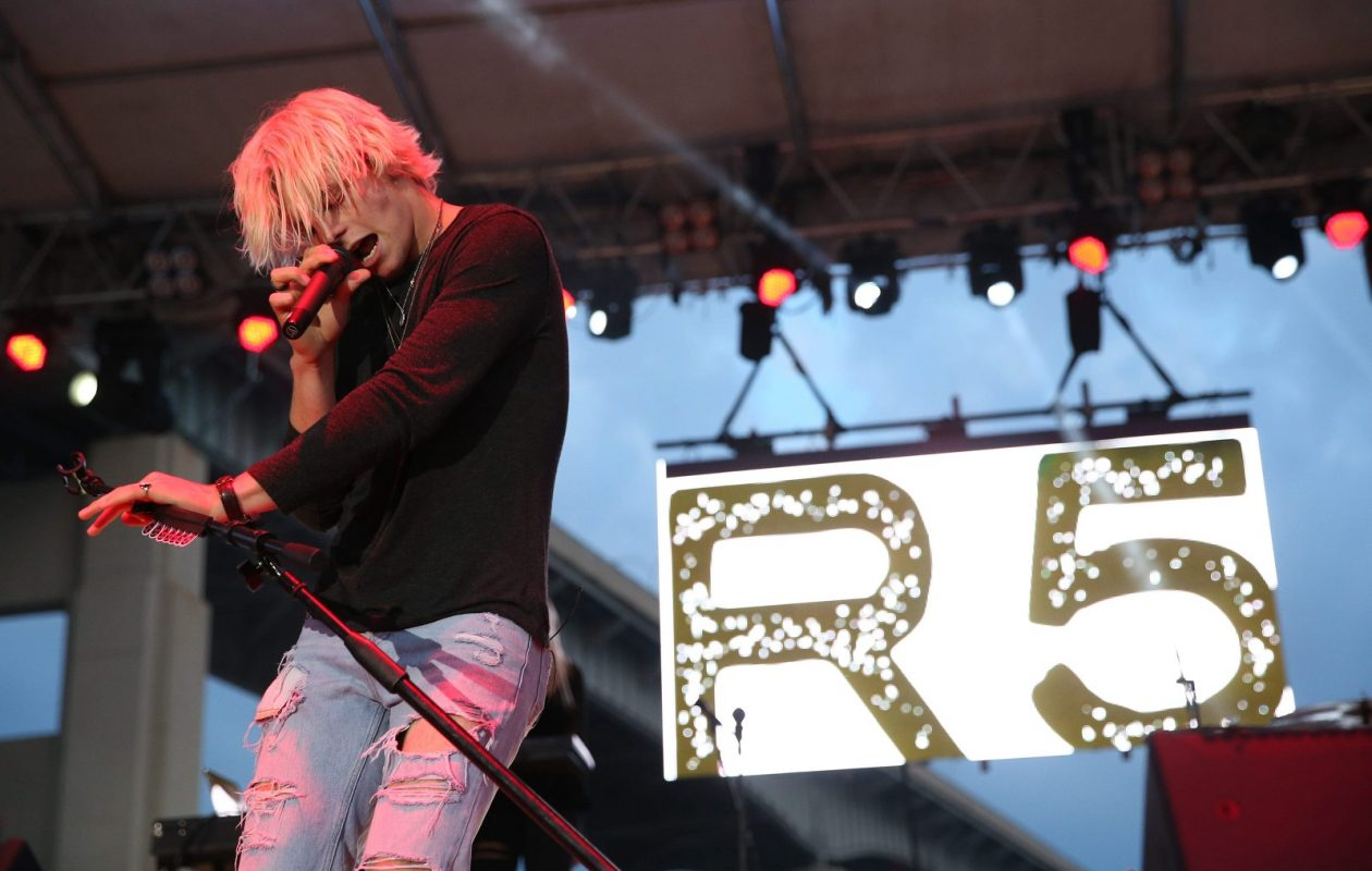 Ross Lynch and R5 return to Darien lake for a free show. (Photo by Sharon Cantillon/Buffalo News file photo)
