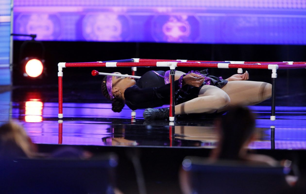 Shemika Charles shows how low she can go on 'America's Got Talent.' (Trae Patton/NBC)