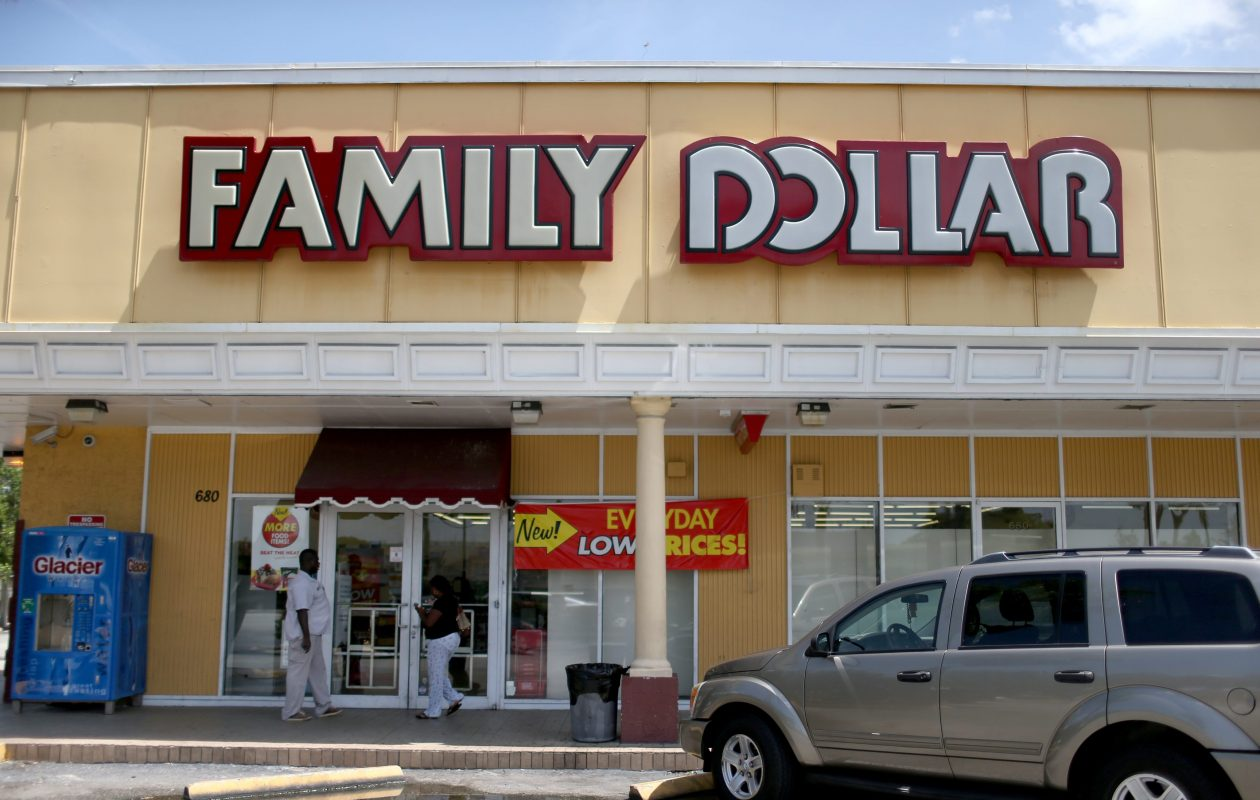 Customers enter a Family Dollar store in Florida. (Getty Images)