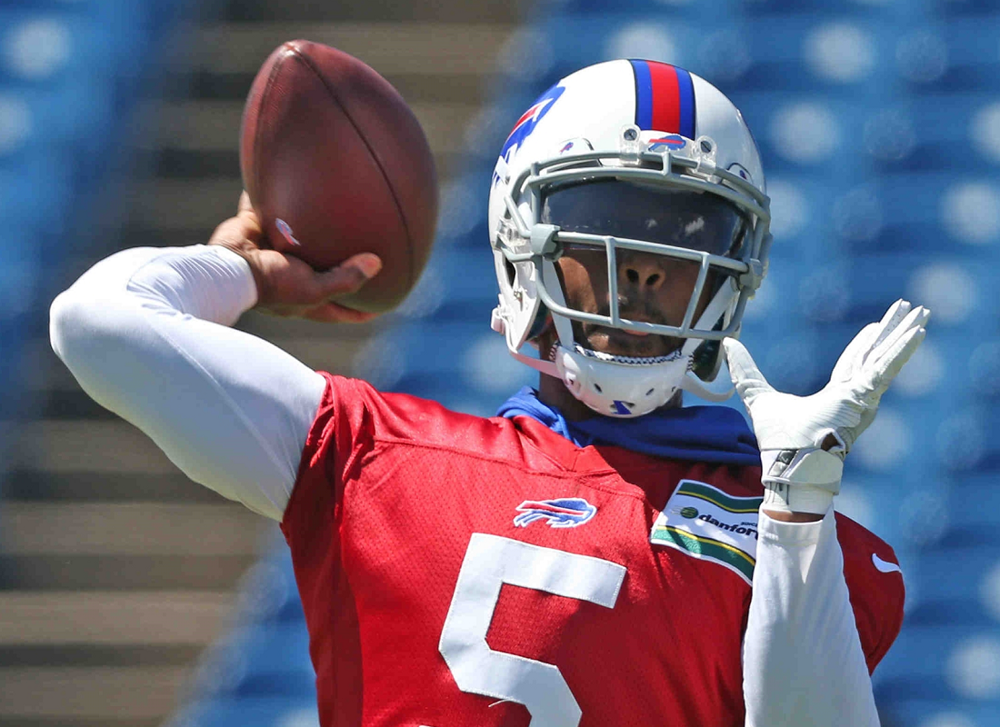 Bills quarterback Tyrod Taylor says 'it's time for us as a team, time for me as a quarterback to separate from the pack and do whatever it takes to win.'(James P. McCoy/Buffalo News)