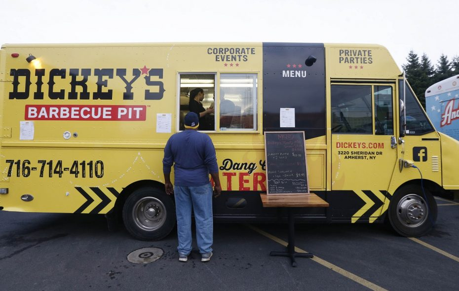 Dickey's Barbecue Pit Food Truck. (Sharon Cantillon/News file photo)