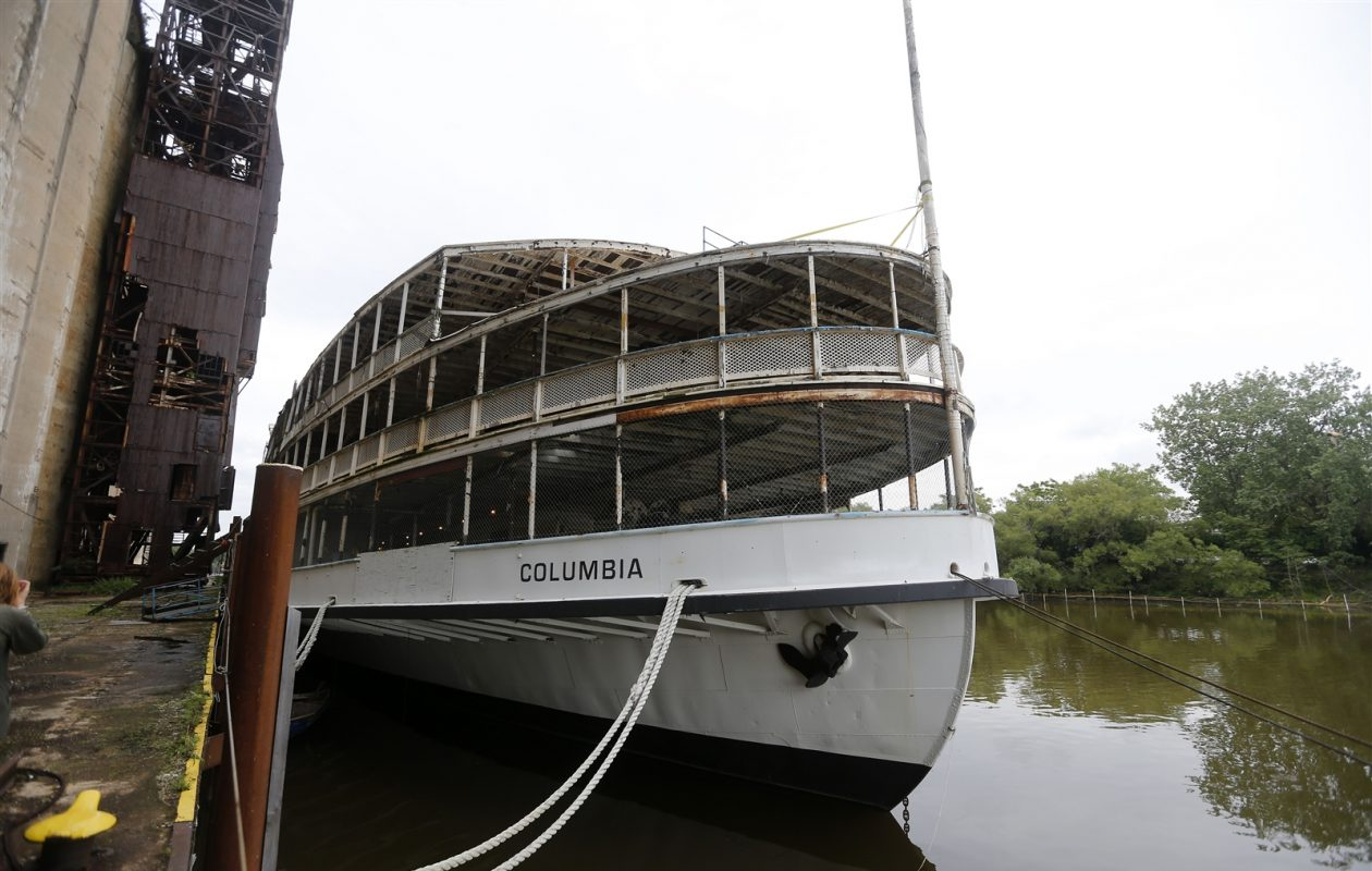 The SS Columbia, which ceased service in the early 1990s. (Mark Mulville/Buffalo News)