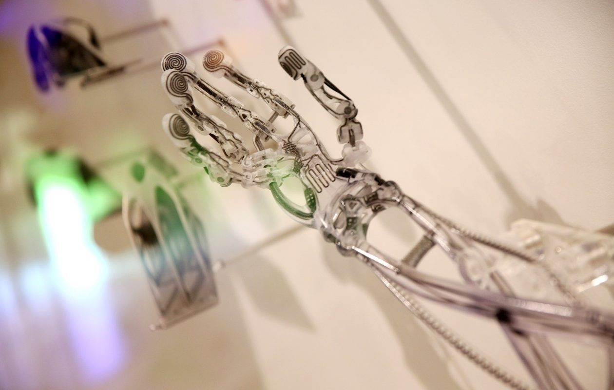 A 3-D printed prosthetic arm is displayed in the exhibition '3D: printing the future' in 2013 in the Science Museum in London. (Getty Images)