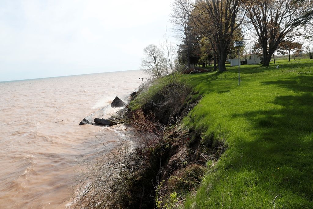 Lake Ontario and shoreline properties off Johnson Creek Road in Barker near the 63 acres to be protected under a conservation easement. (John Hickey/Buffalo News file photo)