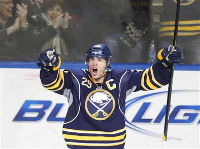 Welcome (back) to Pominville: A look at his first Sabres tour