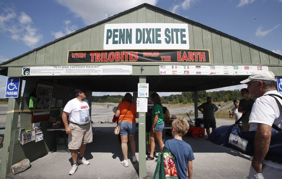 Penn Dixie wants to set a world record for the most diggers Saturday. (Sharon Cantillon/Buffalo News)