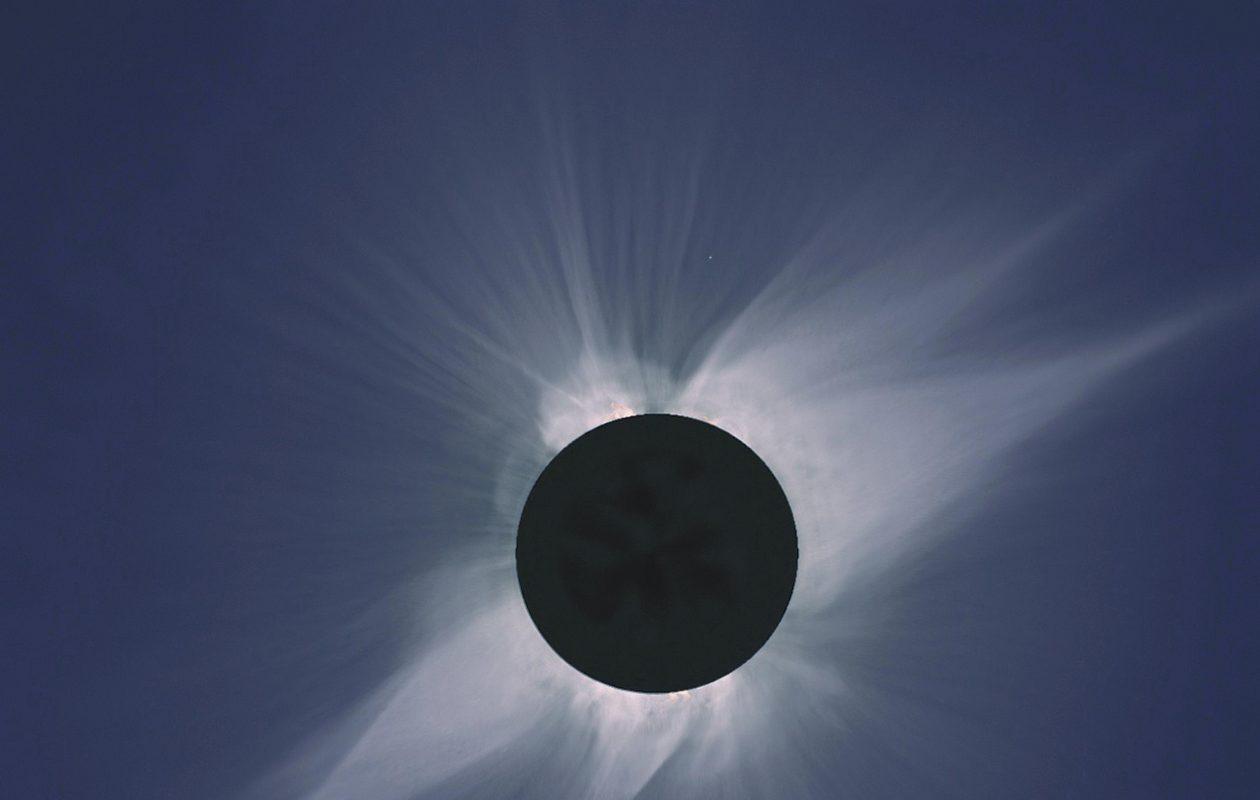 A total solar eclipse. (NASA image)