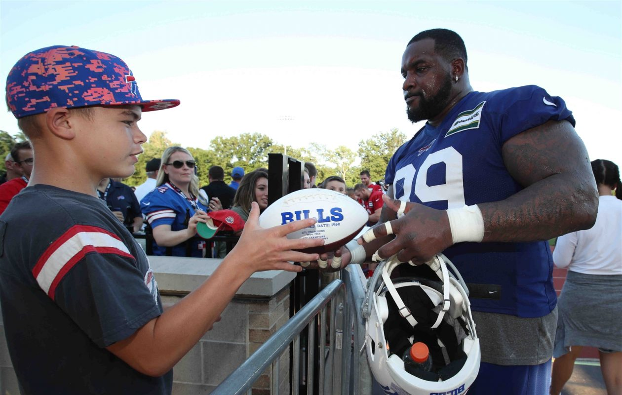 Bills defensive tackle Marcell Dareus has work to do to earn back the trust of some fans. (James P. McCoy/Buffalo News)