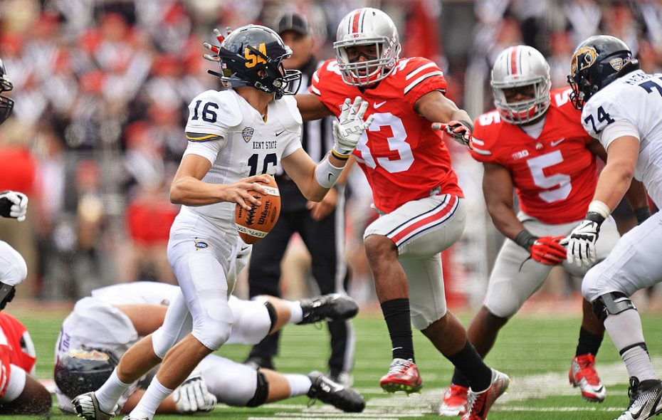 Ohio State linebacker Dante Booker (33) suffered a season-ending knee injury in last season's opener but is ready to make an impact. (Getty Images)