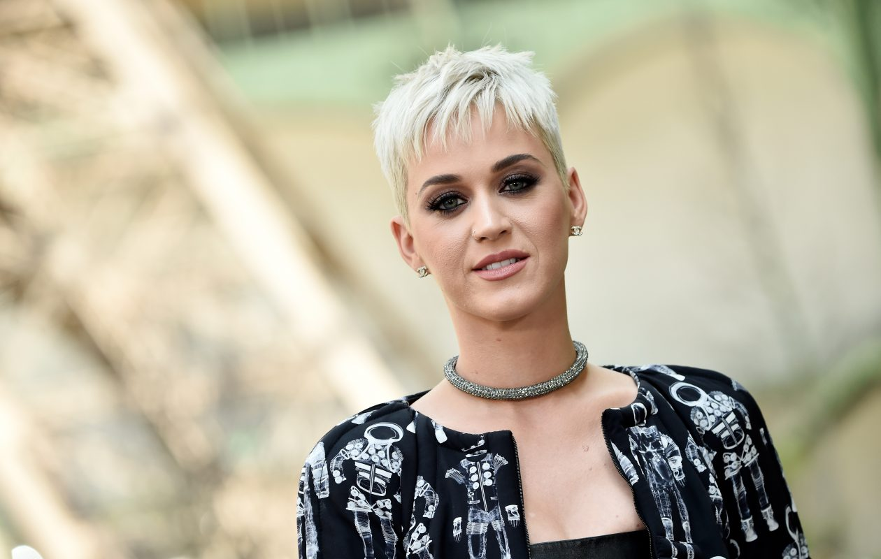 Katy Perry gets up close and personal with a Buffalo man on the season premiere of 'American Idol.'  (Getty Images)