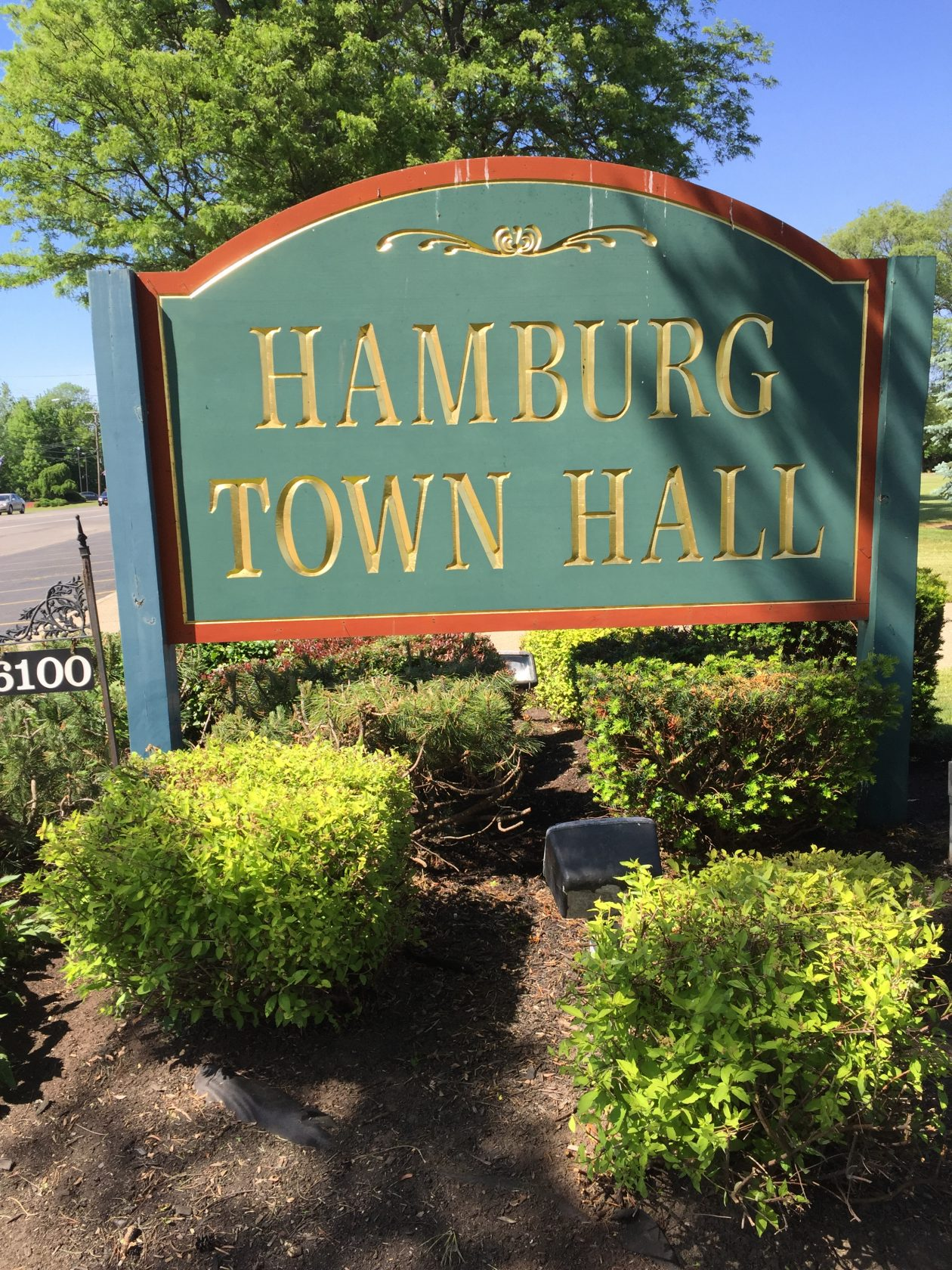 Hamburg fires crew chief charged with stealing town property