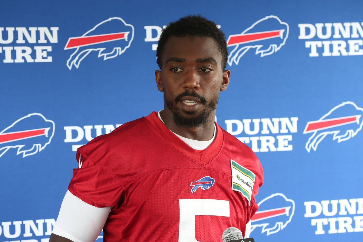 Tyrod Taylor talks with reporters after practice at Bills training camp. (James P. McCoy/Buffalo News)