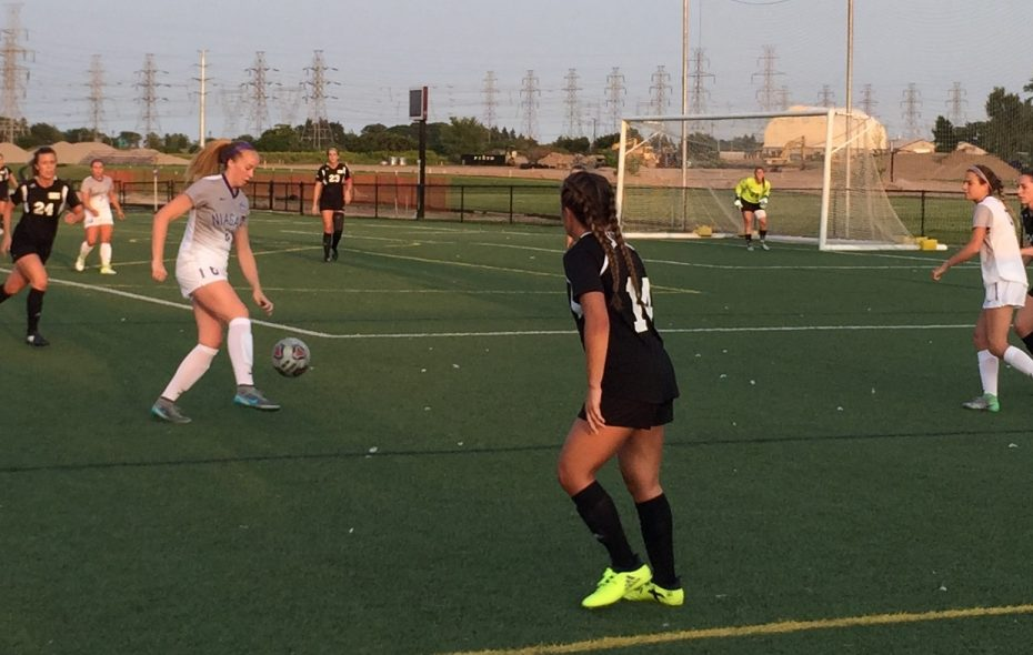 Niagara's Veda Hensel controls the ball late in the first half vs. St. Bonaventure. (Ben Tsujimoto/Buffalo News)
