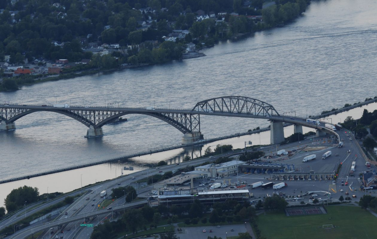 A 2014 file photo of the Peace Bridge connecting Buffalo and Fort Erie, Ont. (Derek Gee/Buffalo News)