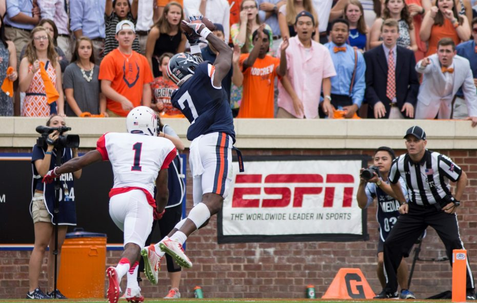 Doni Dowling (7) of the Virginia Cavaliers pulls in a touchdown pass during a game at Scott Stadium on Sept. 3, 2016, in Charlottesville, Va.  (Getty Images)