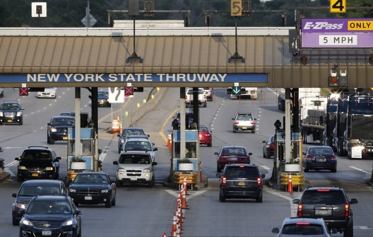 Traffic crawls through the Williamsville toll barrier  in this News file photo. (Derek Gee/Buffalo News)