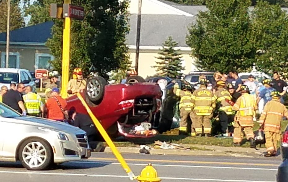 2 injured in Cheektowaga rollover crash