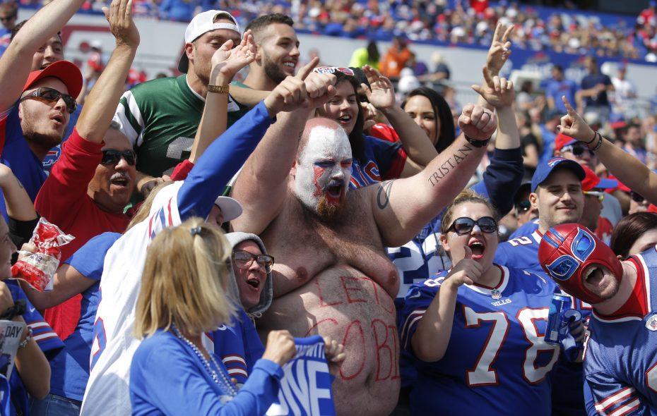 Bills fans can look forward to a high of 88 at Sunday's game. (Robert Kirkham/Buffalo News file photo)