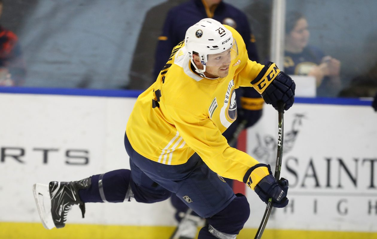 Sam Reinhart's passing is a nice complement to the shooting of linemate Benoit Pouliot. (Mark Mulville/Buffalo News)