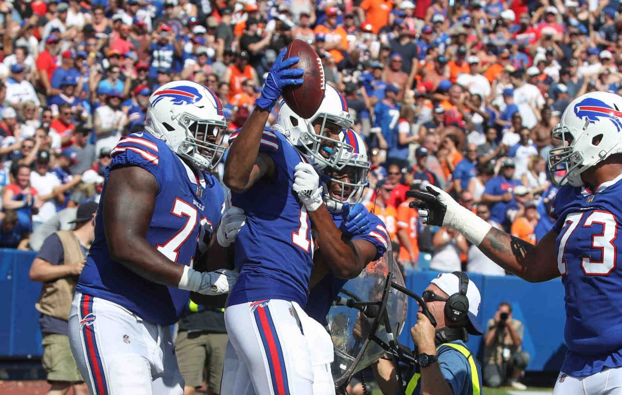 Buffalo Bills wide receiver Andre Holmes (18) celebrates his touchdown against the Broncos with teammates in the second quarter at New Era Field in Orchard Park N.Y. on Sunday, Sept. 24, 2017.  (James P. McCoy / Buffalo News)